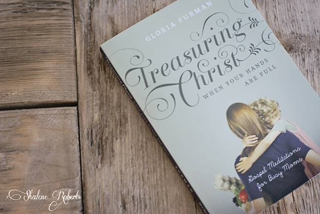 Treasuring Christ When Your Hands are Full, a review | Faith and Composition